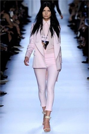 Pink pastel suit, sophisticated and elegant.