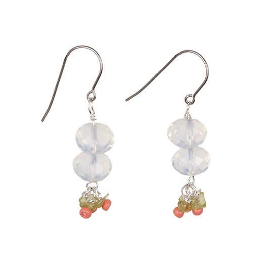 Quartz symbolizes intuition and truth. Trust your judgment when you wear these earrings.: Judgment, Jewelry Design, Symbols Intuitive, Quartz Symbols, Trust, Truths, Wear, Peridots Earrings