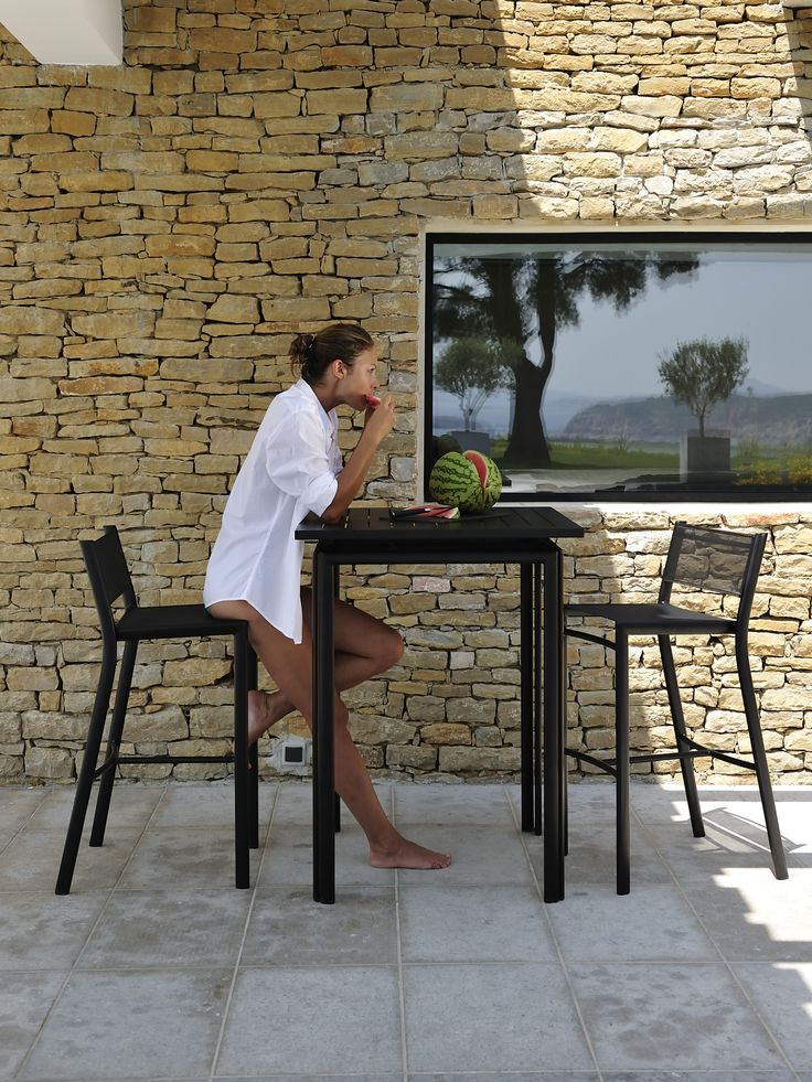 Chaises et tables hautes #Costa #Fermob couleur Réglisse / #black