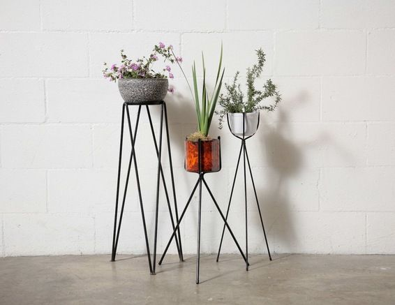 RETRO WIRE PLANT STANDS