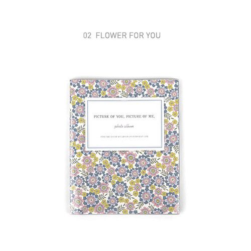 Dailylike Flower pattern self adhesive photo album (http://www.fallindesign.com/dailylike-flower-pattern-self-adhesive-photo-album/)