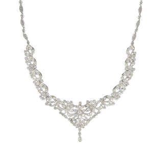 LOT:133   A diamond garland necklace.