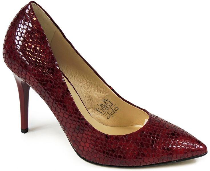 Czerwone szpilki Intershoe to obuwie, które rozpala zmysły, dlatego warto przygarnąć je do swojej kolekcji.  http://www.intershoe.com.pl/szpilki-0541004d