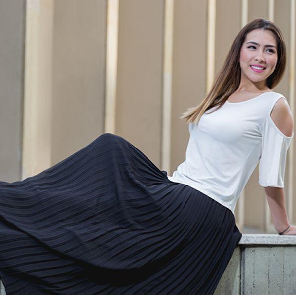 Elegante falda plisada en crepe