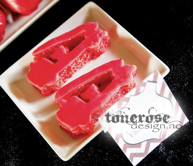 Fireman party cookies =) Brannmann bursdag - brannbil småkaker!! Pyntet med marsipanlokk