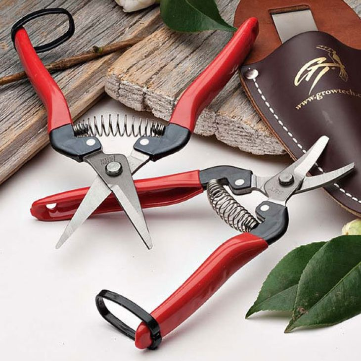 73 best images about our favorite garden tools on for Vegetable garden tools