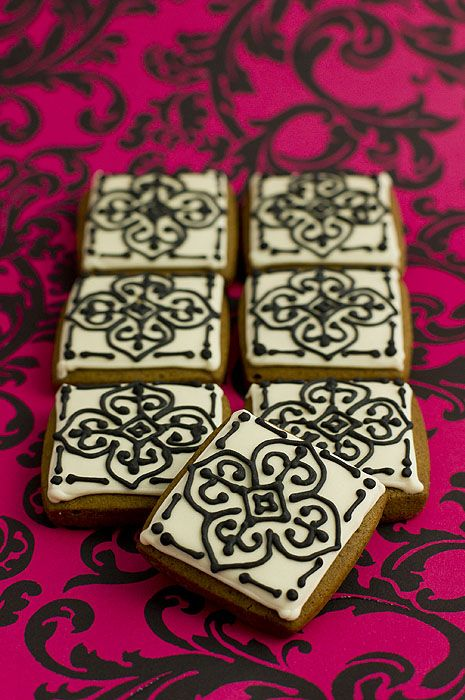 Moroccan tile gingerbread iced biscuits: I love all the beautiful patterns of Moroccan architecture