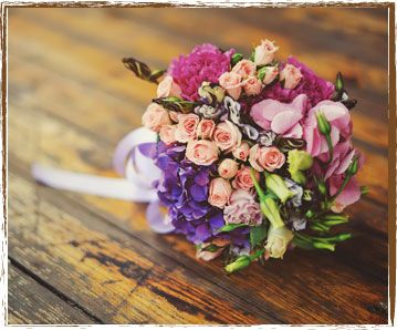 If you want best wedding flowers than purchase online flowers for your family, relatives wedding at reasonable cost. http://www.flowersatkirribilli.com.au/wedding-florist-sydney