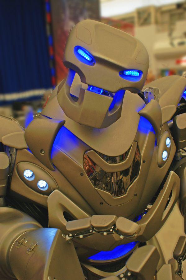 Cel mai cool robot...ever!