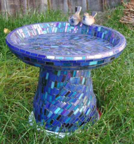 Cute bird bath - colors & pattern