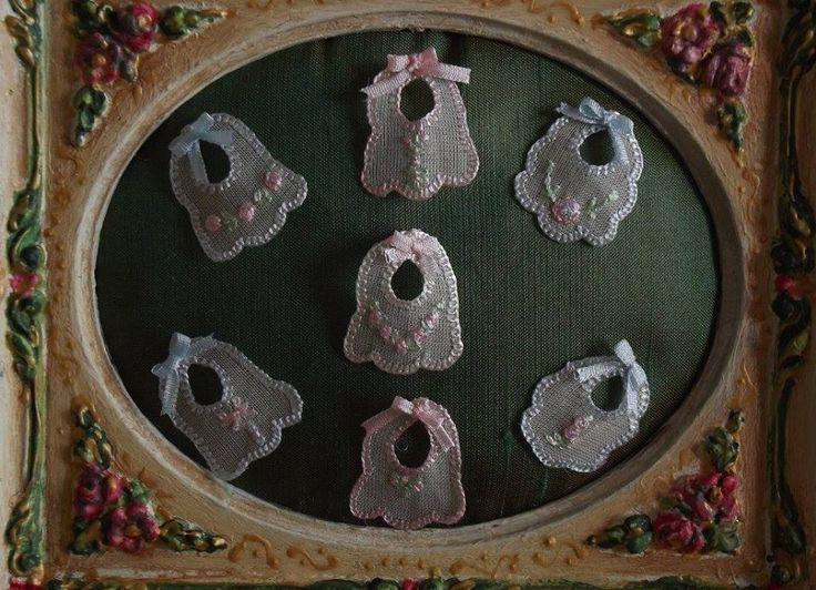 Violeta Llaneza Estrada - embroidered bibs