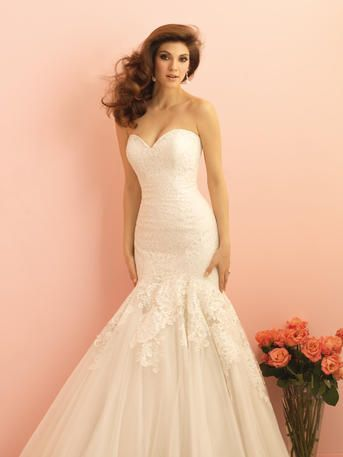 New Beading A line White Lace Gorgeous Wedding Dress