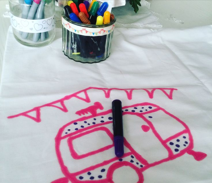 Sleepover crafts , decorate a pillowcase - help design our next dollydaydreams party caravan decor !