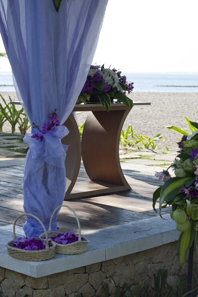 Ocean view wedding venue at Holiday Inn Resort Baruna Bali #wedding #purple #beach #bali #indonesia