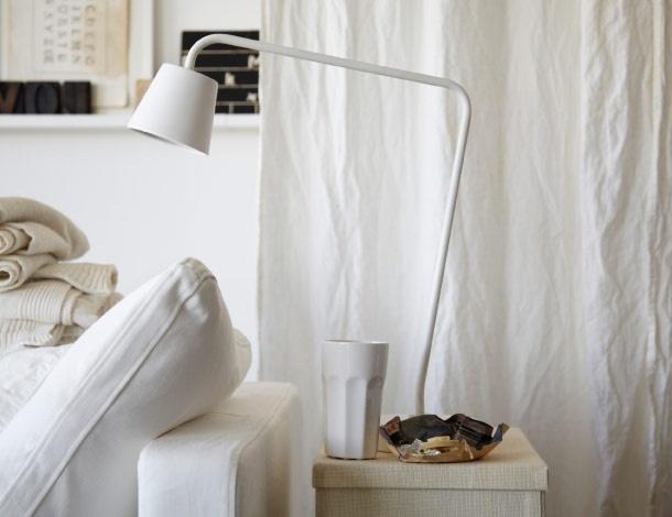 IKEA Österreich, Inspiration, Textilien, Weiße TISDAG LED-Arbeitsleuchte mit integriertem LED-Leuchtmittel