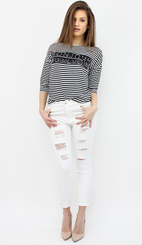 White Ripped Jeans for a grungy and casual outfit. http://famevogue.ro/produse_noi_94/jeansi_albi_cu_aspect_uzat  #jeans #denim #distressed #style #fashion