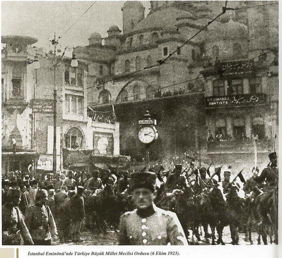 6 Ekim 1923 -- İstanbul, Eminönü. Türkiye Büyük Millet Meclisi Ordusu / İstanbul