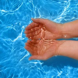 Easy Tips for Maintaining a Salt Water Pool