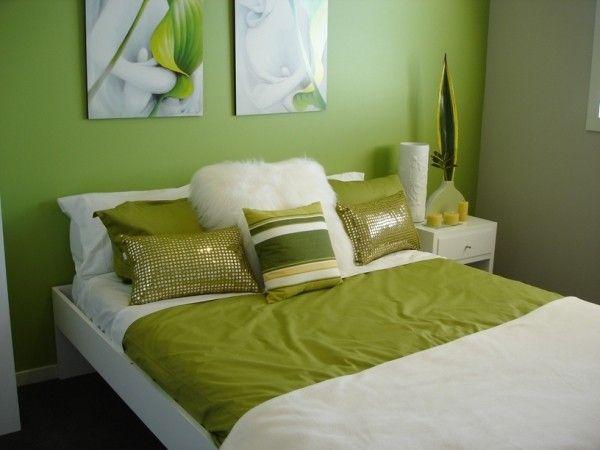 Спальня. Светло-зеленые тона.