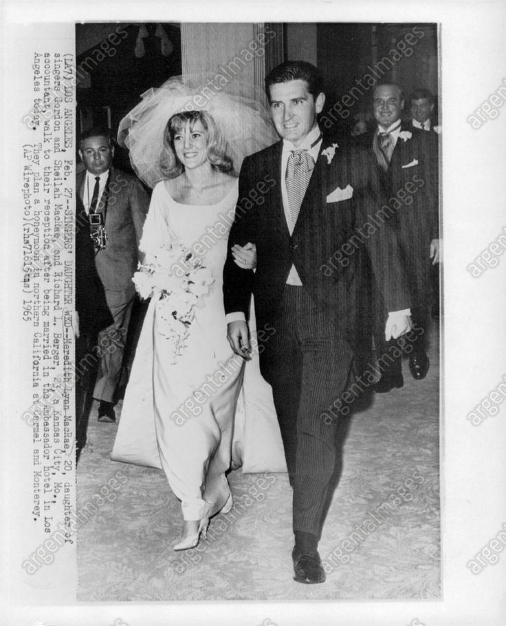 1965 Meredith MacRae - Actress Richard L. Berger Wedding Walk Press Photo
