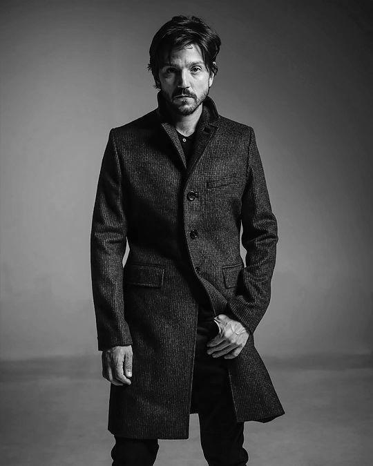"""luna-diego: """" Diego Luna photographed by Michael Murray for Malibu Magazine, issue Nov/Dec 2016 """""""