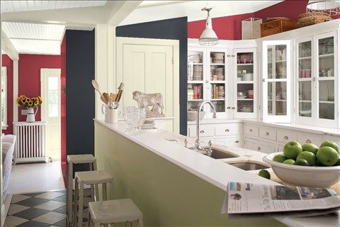 Look at the paint color combination I created with Benjamin Moore. Via @benjamin_moore. Wall: Pomegranate AF-295; Accent Wall: Baby Seal Black 2119-30; Trim: Ancient Oak 940; Ceiling: White Dove OC-17.