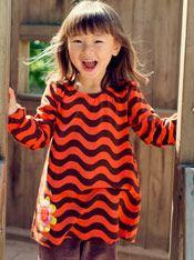 #Neue #Kindermode bei #meandi Bezauberndes Singoalla mit Gummizug am Halsausschnitt und Ärmelabschluss mit Wellenmuster und aufgenähter Sonnenblume.