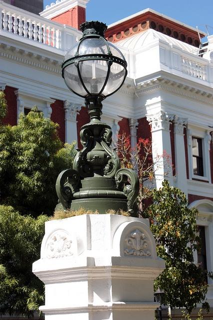 Precinct, South African Parliament building, Cape Town by Kleinz1, via Flickr