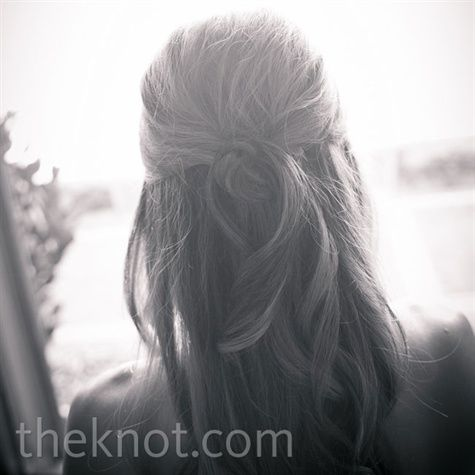 Half Updo Hairstyle- easily convertible to updo, but its simple and sophisticated.