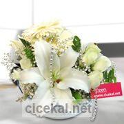Cam Kasede Lilyum Gerbera Arajman çiçeği