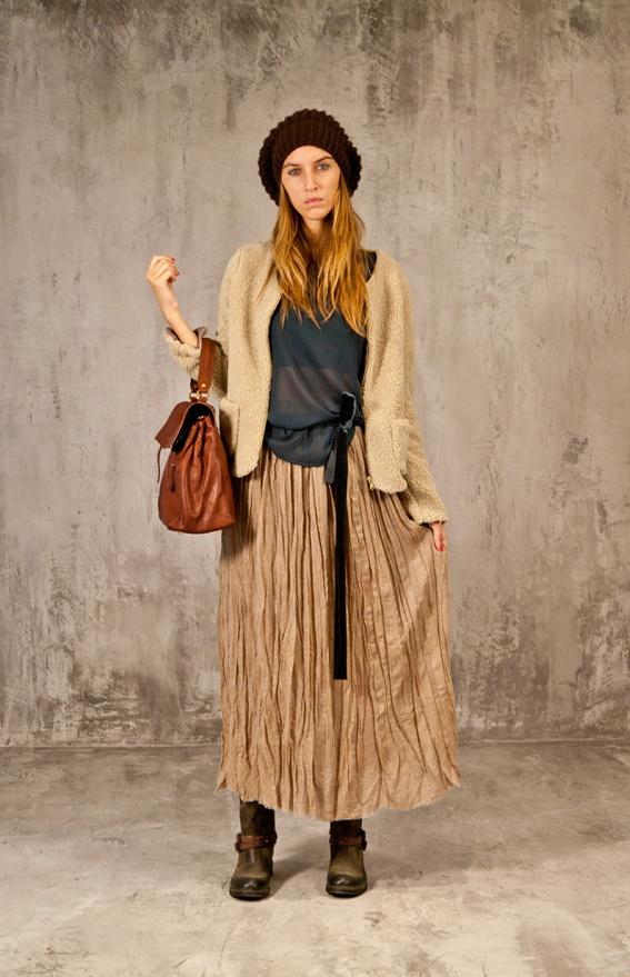 Berretto in lana, giubbotto, camicia e gonna lunga #Xetra
