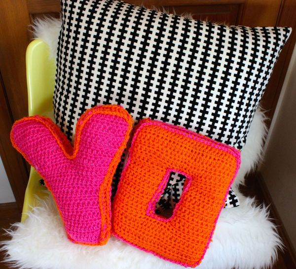 Free Crochet Letter Pillow Pattern : DIY: crochet alphabet pillows Craft & DIY Pinterest ...