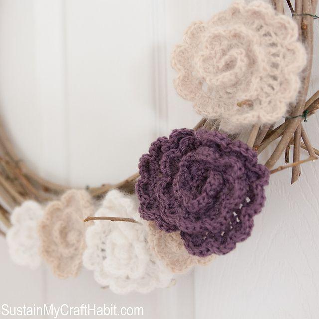 11 FREE Crochet Wreath Patterns: Crochet Flower Wreath FREE Pattern