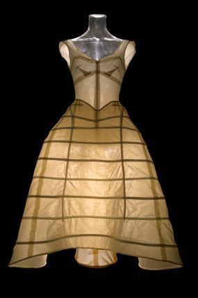 Charles James used boning and forms to shape dresses.  Photo: Courtesy of Chicago History Museum