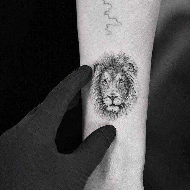 Lion Portrait Drawing Dragonart Nyc Bangbangnyc Bangbangnyc Tattoo Tattoos Art Drawing Black Blackink Tattoos Lion Head Tattoos Simple Lion Tattoo