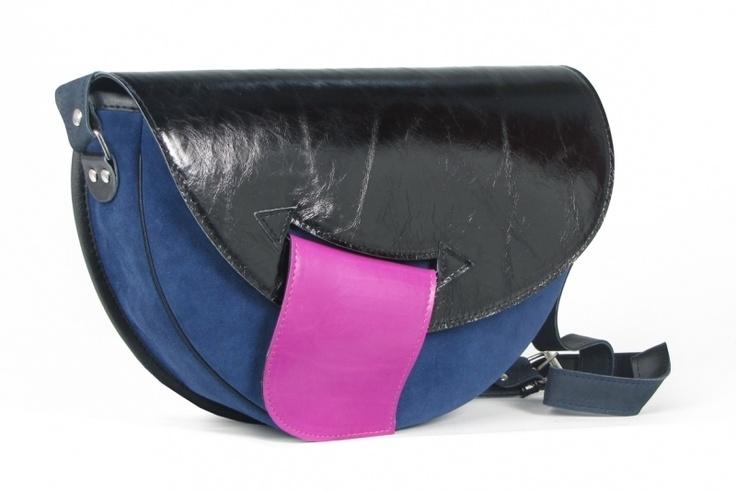 Trendy handtasche aus  leder.    Material: eine Kombination aus Leder und Wildleder     Größe: ca. 32 x 25 x 6 cm(B,H,T)    Riemen: einstellbare Länge