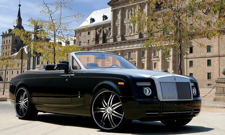 Lexani Wheels, the leader in custom luxury wheels.  Black Rolls Royce Phantom Drophead with machined and black LX-7 wheels with ss lip