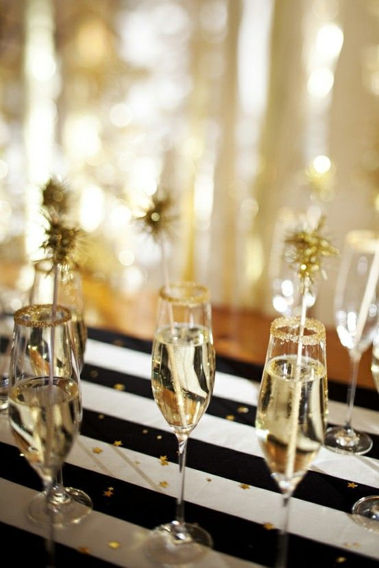 .: Champagne, Black And White, Drinks Stirrers, Black White, Years Parties, Eve Parties, Parties Ideas, New Years Eve, White Stripes