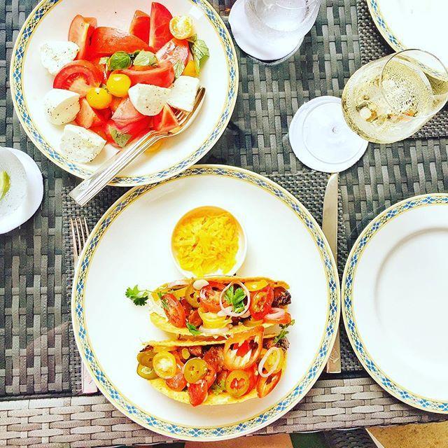 Sundays. Mozerella di bufala heirloom tomatoes salad  and #bbq pulled pork #tacos ❤️