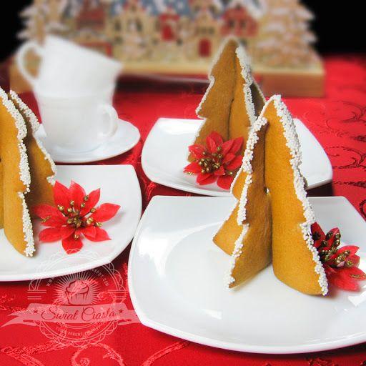 Piernikowe choinki 3D | Świat Ciasta