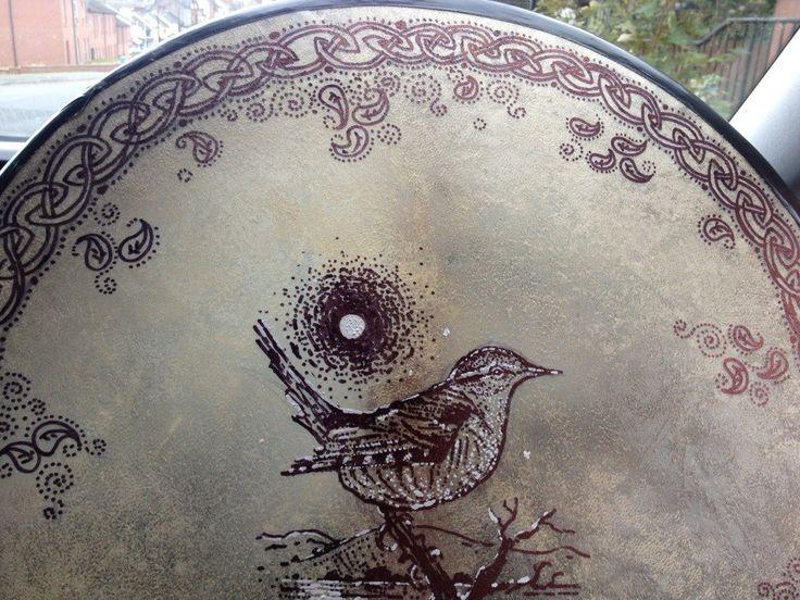 Dreoilín, dreoilín, rí na n-éin The wren, the wren - King of all birds