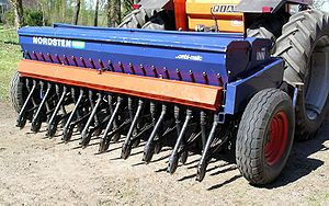 Seed drill - Wikipedia, the free encyclopedia