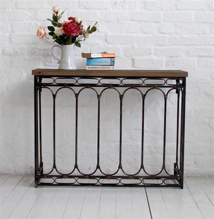 ROMAIN Wood/Metal Table