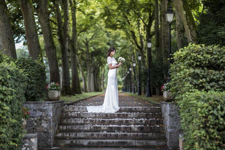 robe de mariée sur-mesure robe de mariée sirène robe de mariée près du corps sirène avec traine modèle camélia boutique lyon
