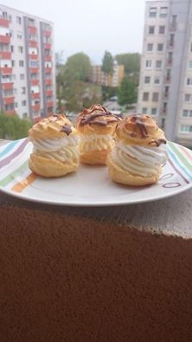 Dübörög a neten egy csodás habos fogyókúrás sütemény receptje. A szóban forgó képviselőfánk igazán csábítóan figyel a képen, de nem...