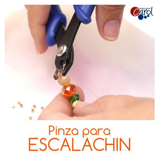 ¡Útil y práctico! Traemos prácticas herramientas para que des un perfecto acabado a tus creaciones, conoce esta herramienta haciendo clic en este pin.  #Herramientas #pinza #escalachin #bisuteria #accesorios #moda #tendencias