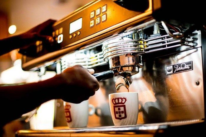 """""""The enticing taste of black gold lures and beguiles."""" - Edward Chamberlain-Bell said about Vida e caffe  in his article 'The psychedelic mind of coffee' @jozistyle.joburg #nopassionnopoint @vidaecaffe"""