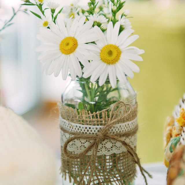 Daisy Flower Arrangements Booney And Michelle S Big Day