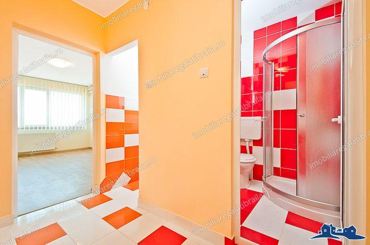 Agentia imobiliara ALEXIS va propune spre cumparare un apartament situat in Galati, cartierul M19, stradal, compus din doua camere semidecomandate, situat la etajul 3 din 4, cu o suprafata utila de 53mp
