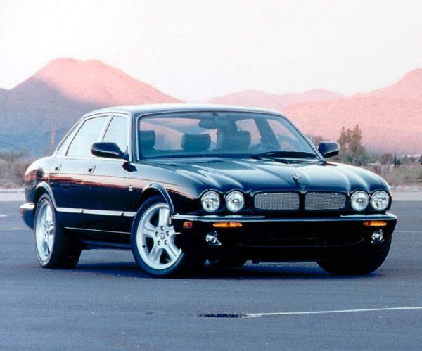 Jaguar XJR, mama's car!